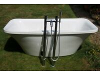Large Luxury white Bath very good condition complete with chrome taps and shower attachment