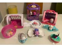 Children's toy bundle play sets of little life pets ( can sell separately ) in great condition