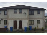 2 Bedroom Flat , Prime location and redecorated to modern standard. Walk in condition.