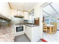 SM4 6QJ - CANTERBURY ROAD - A STUNNING 3 BED HOUSE WITH PRIVATE GARDEN & ON STREET PARKING