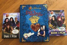 DESCENDANTS – Evie's Fashion Book + 2 x Books of the Film