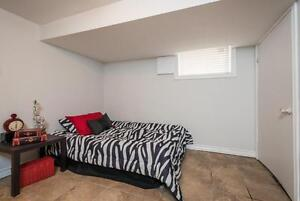 Great Downtown Location 5 Bedroom Student House London Ontario image 12
