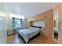 LARGE MODERN 2 BEDROOM FLAT IN A PURPOSE BUILT BLOCK SECONDS AWAY FROM THE STATION