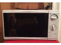 Tesco MM08 solo microwave 17-litre cooking capacity 700W power output