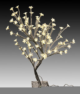 Beschneiter LED Baum 96 LEDs - Leuchtbaum Lichterbaum Christbaum mit Schnee weiß