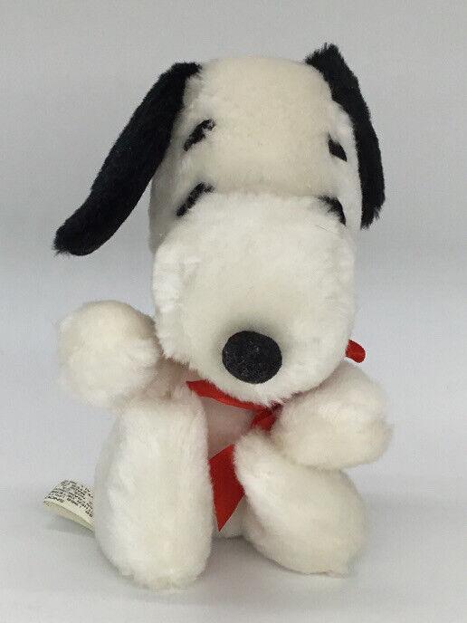 """Vintage 1968 Snoopy Plush Stuffed Animal 6"""" United Feature Syndicate Peanuts"""