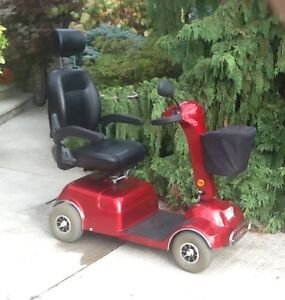 4wheel mobility scooter  boomer buggy good condition one year ol
