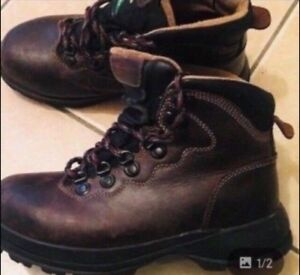 Chaussure de Sécurité DAKOTA Taille 7 avec cap d'acier en vrai