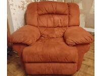 Its Free! Large 3 Piece Suite, with electric and manual recliners - Bitton / Oldland Area of Bristol