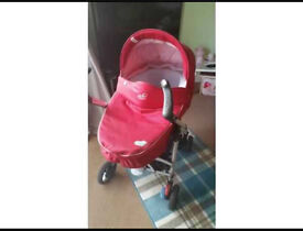 Baby pram carrycot and wheels