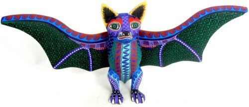 OAXACAN WOOD CARVING BAT - LAURO RAMIREZ - MEXICAN FOLK ART ALEBRIJE