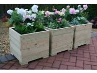 DECKING PLANTERS MADE TO MEASURE