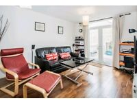 WELL PRESENTED 2BED FLAT IN HOXTON ** FURNISHED ** PRIVATE TERRACE **
