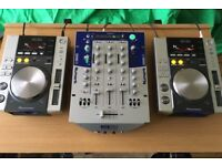 Numark DXM09 Mixer With Sennheiser Headphones & 2x Pioneer CDJ-200 Decks + DJ Ultimax Prostand