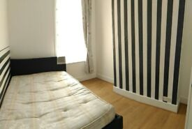 £500pm Medium room with double bed in Seven sisters -Turnpike Lane area text me 07898857353