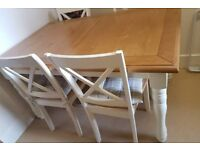 Expandable Oak Dining Table w 4 chairs