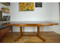Stunning Mid Century Danish Walnut Extending Dining Table FREE LOCAL DELIVERY