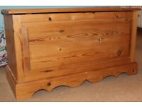 SOLID PINE LARGE DEEP BLANKET CHEST BOX / TOY BOX