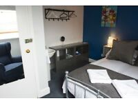 One semester student townhouse close to Napier, Edinburgh and Heriott Watt Universities.