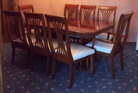 Dining table & 8 chairs