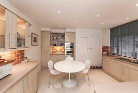 Two double bedroom apartment within a prestigious riverside development in the Hurlingham Estate.