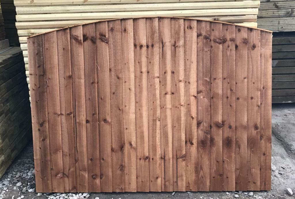 Heavy Duty Tanalised Brown Wooden Bow Top Garden Fence