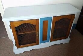 DUCK BLUE EGG LOVELY CONDITION - SIDEBOARD