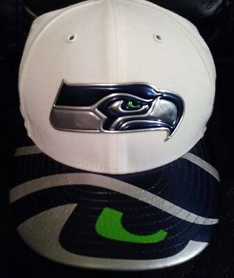***BRAND NEW*** MEN'S NEW ERA SIZE 7 1/2 SEATTLE SEAHAWKS HAT