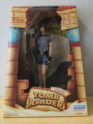 Tomb Raider Outfits (1998 Playmates Tomb Raider Lara Croft In Wet Suit Outfit Action Figure)