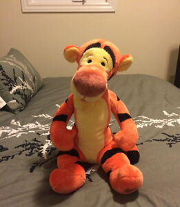 Like NEW stuffed Tigger from the Disney Store