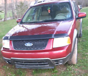2005 Ford freestyle AWD SEL
