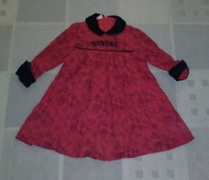 Girl's dress, size 5T.