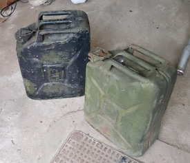(2) 20L Jerry Cans