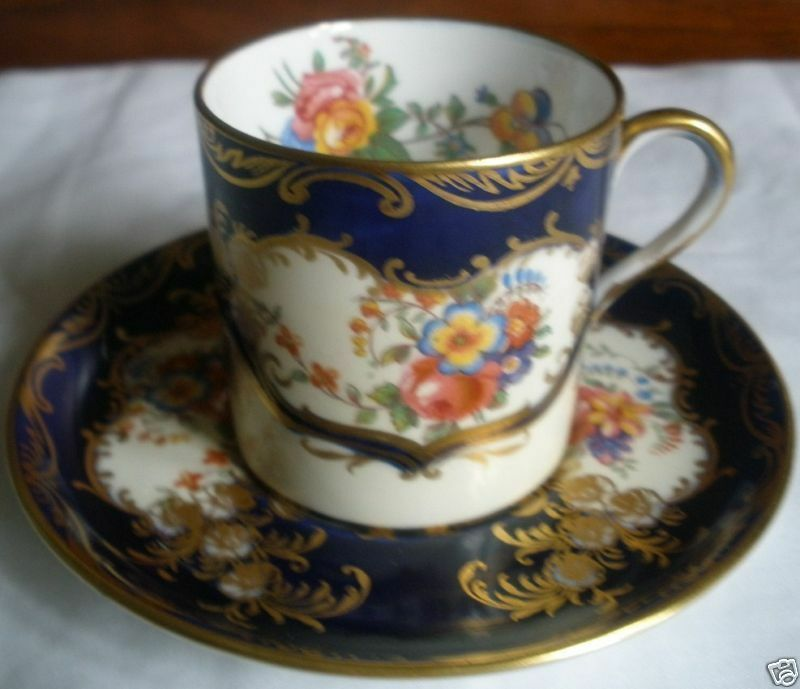 EXQUISITE ENGLISH AYNSLEY CUP & SAUCER ARISTOCRAT PATTERN COBALT