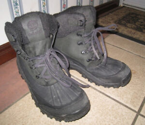 Used Men's Winter Boots Shoes Timberland, size 12,good condition