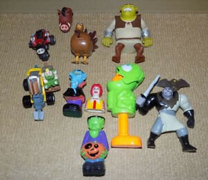 10 MIXED TOYS LOT, SMALL SOLDIERS, SHREK, MULAN, PUMBAA, RONALD
