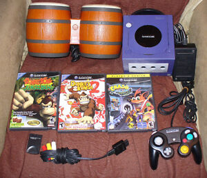nice good working game cube and 3 games.rear Intec Monitor too