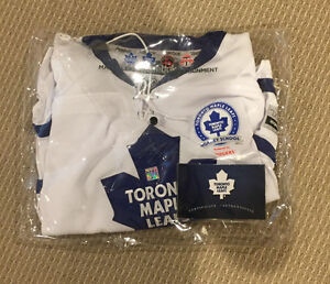 Youth XL Toronto Maple Leafs Dion Phaneuf signed jersey