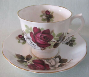 Vintage Teacups and Saucers Royal Albert, Queen Anne...