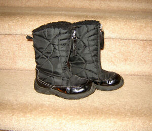 Toddler Winter Boots:  Girls size 8, Boys sz 10