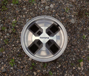 four Tyota wheels size 14 in.