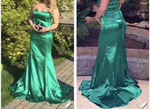 Stunning prom / party/weeding dress