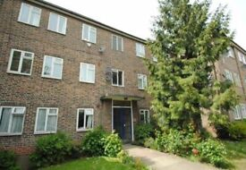 1 bedroom in Granville Place, North Finchley, N12
