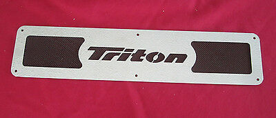 "TRITON BOAT LOGO VENT-19"" X4""-STAINLESS STEEL W/BLACK SCREEN"