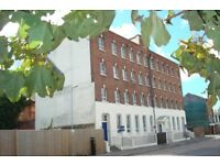Two Bedroom Flat available in Albert Road South, Nr Ocean Village for £850 per month