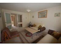 Spacious 1 bedroom furnished flat in East Croydon close to amenities within Park Hill area CR0