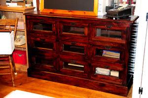 Meuble tiroirs atelier meubles dans grand montr al for Meuble a donner montreal kijiji