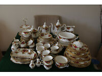 96 Pieces ofOld Country Roses China.