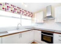 *EXCELLENT SIZED* 2 BEDROOM FLAT TO RENT!! £425PW ONO!! - CALL TODAY..