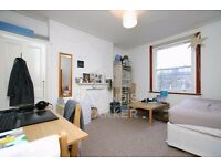 ALL BILLS INC- JUST OFF ABBEY ROAD- SOUTH HAMPSTEAD- SUITABLE FOR SINGLE/COUPLE- MUST BE SEEN